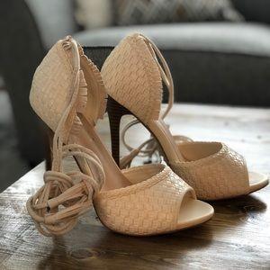 Cream peep toe sandal heels• size 6